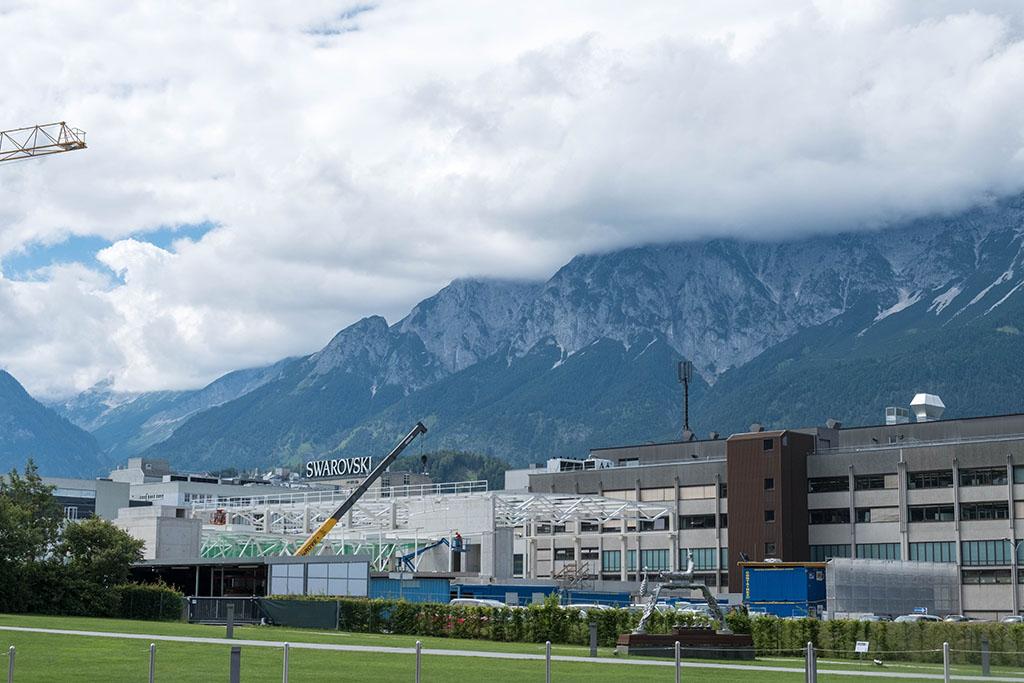 Het park Kristallwelten Swarovski ligt bij de fabrieken en kantoren van Swarovki