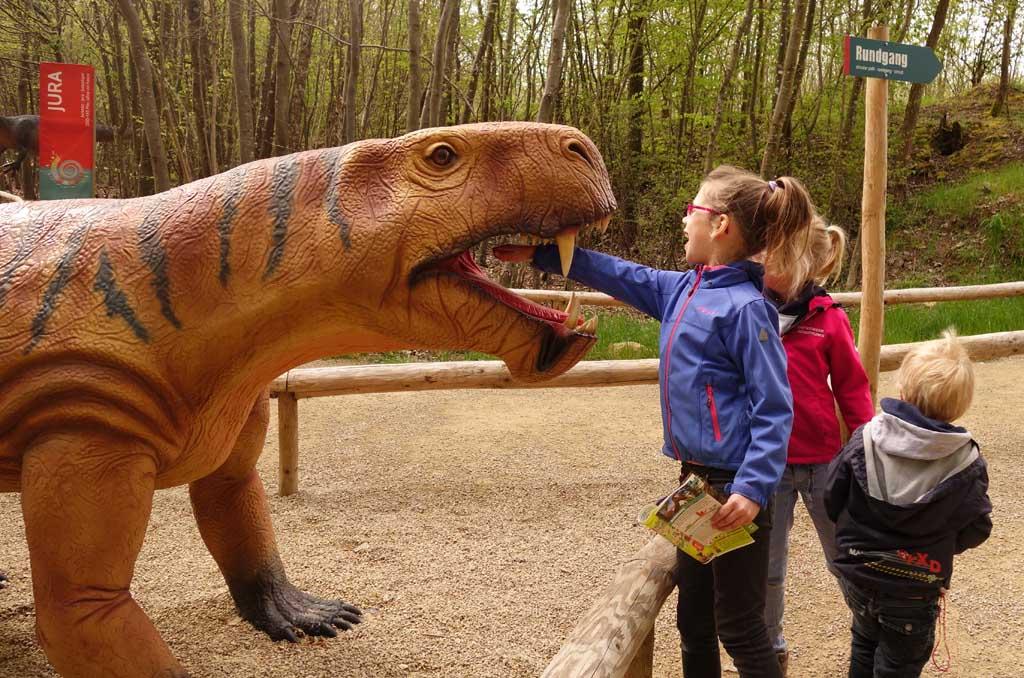 Het Dinopark in de Eifel valt erg in de smaak bij kinderen (foto: Fieke).
