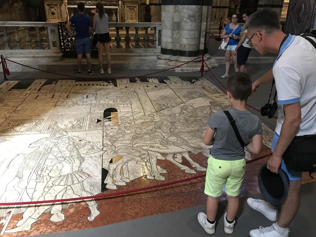 Hele oude mozaiekvloer.