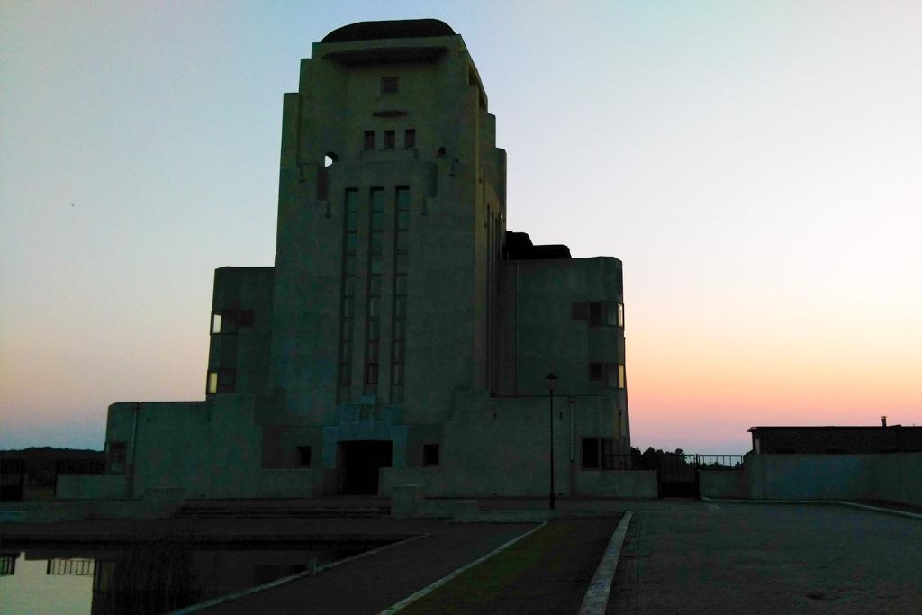 Zonsondergang bij Radio Kootwijk.