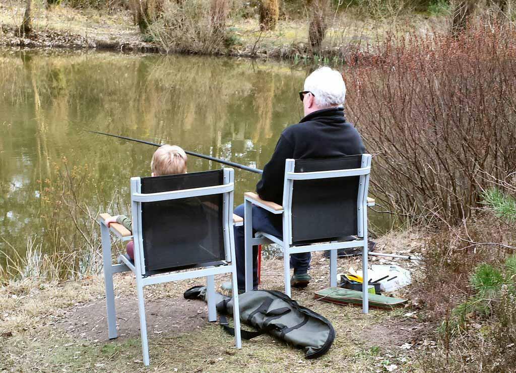 Center-Parcs-Bispinger-Heide-vissen-met-opa-1
