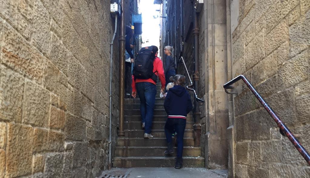 Edinburgh met kinderen steegjes