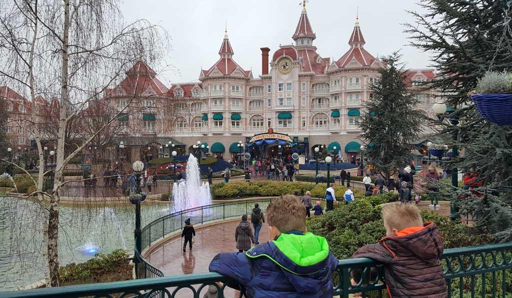 Disneyland Parijs en autisme gaan heel goed samen.