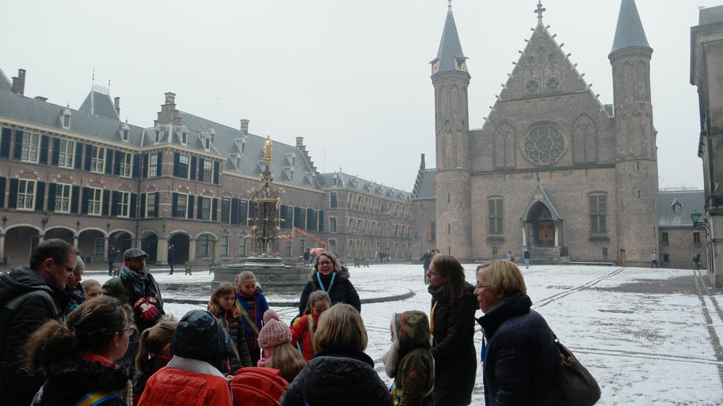 Kinderrondleiding in de Ridderzaal (foto Saskia)