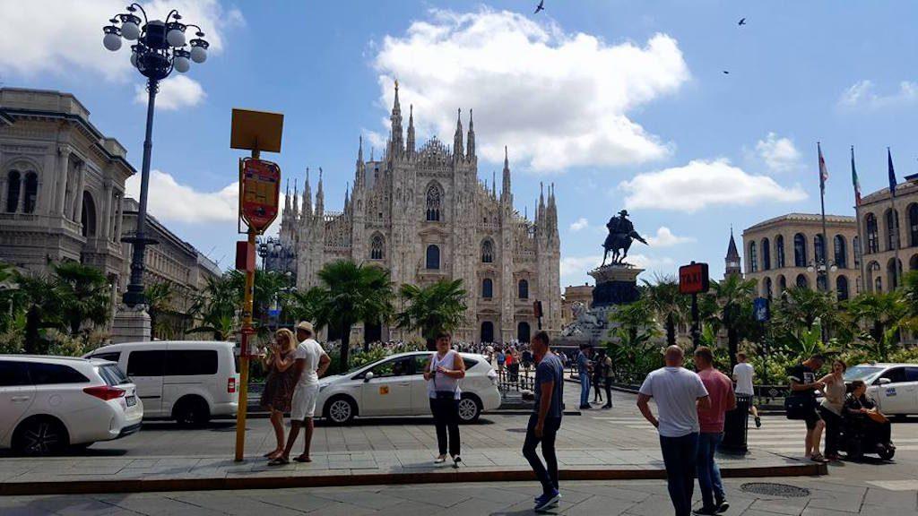 Het piazzo del Duomo in Milaan is indrukwekkend mooi.