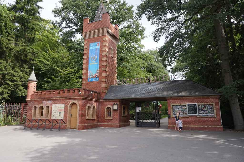 De ingang van Parc Merveilleux