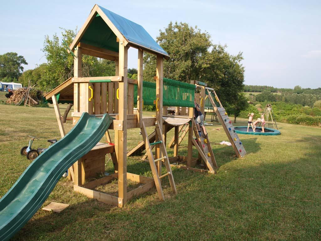 Speeltuin op het kampeerveld, ideaal met jonge kinderen!