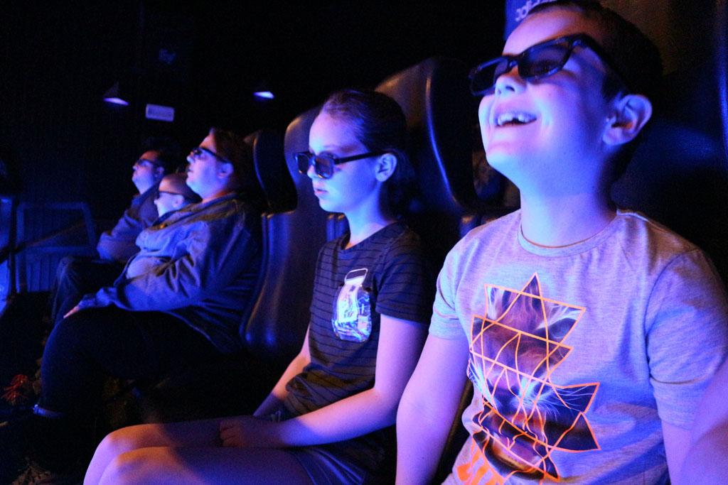De 5D film is leuk om te kijken, als is ie wel erg snel voorbij.