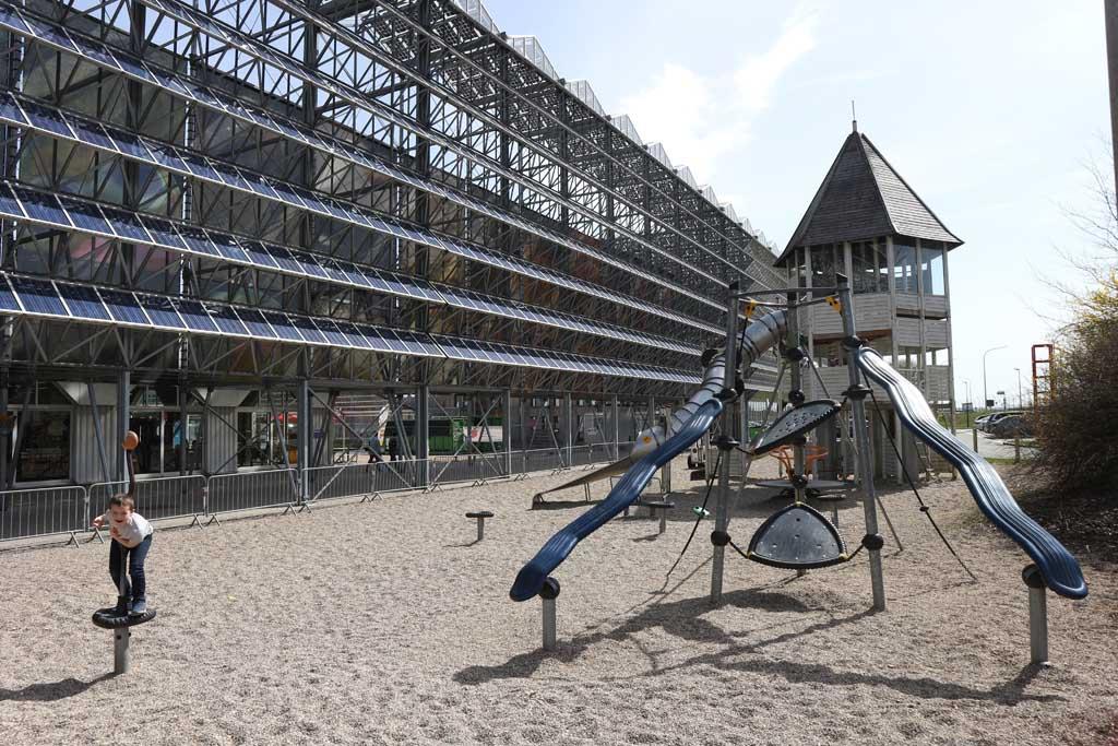 Een deel van de speeltuin bij het Euro Space Center.