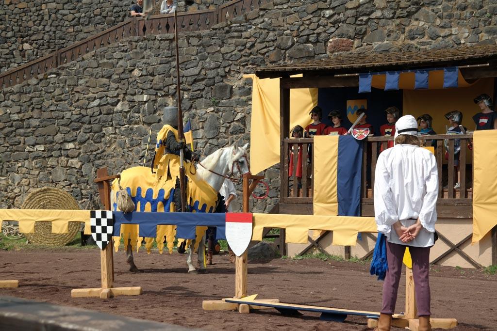 De ridderspelen bij Chateau Murol zijn leuk voor kinderen.