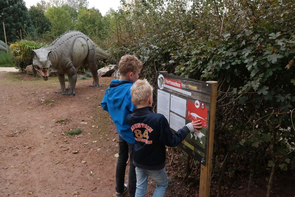 Dinoland ligt net buiten het centrum en is een bezoek waard