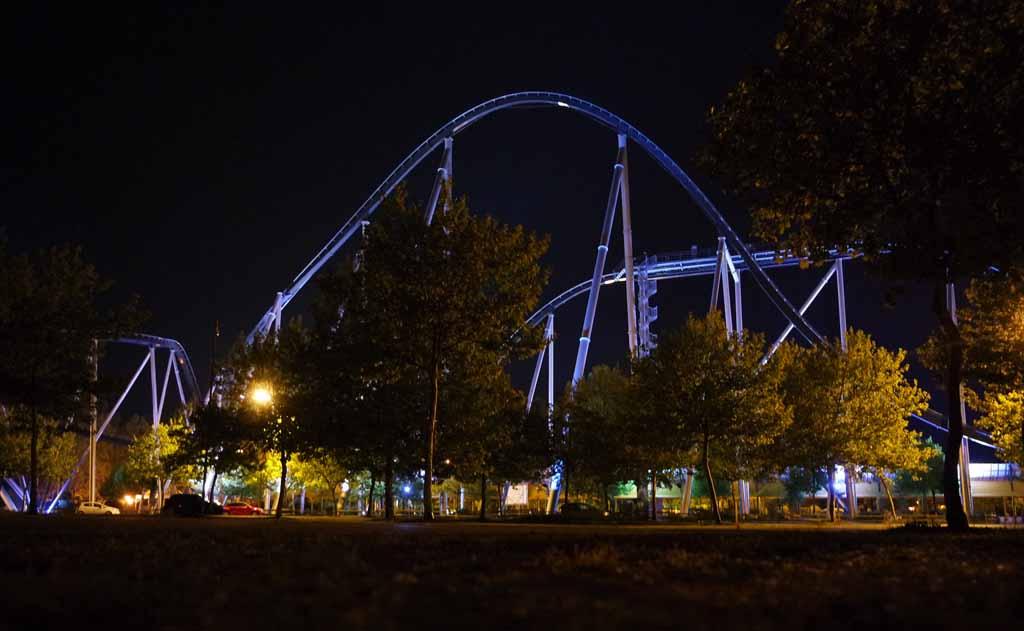 Zelfs in de avond is Europa_park magisch om te zien.