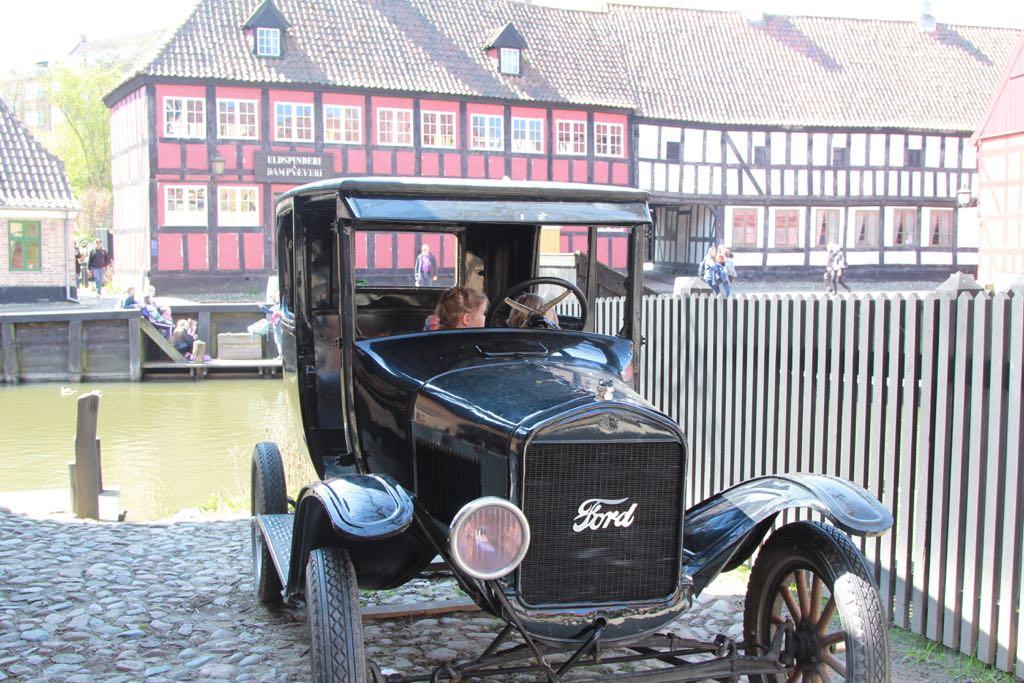 Een oude auto lijkt helemaal niet op een auto!