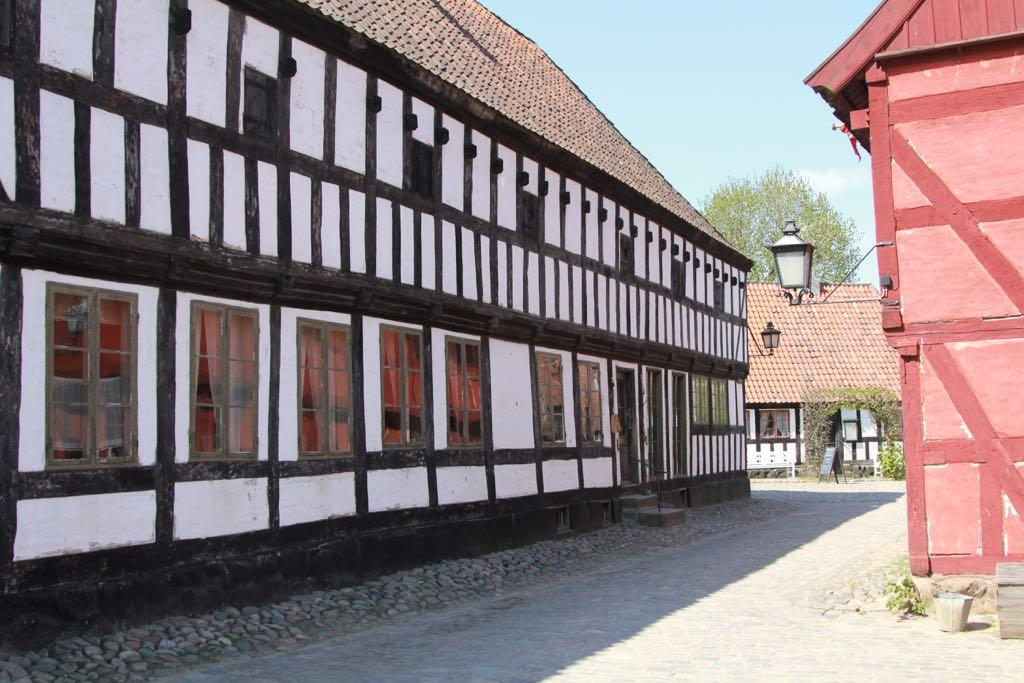 Huizen met origineel houtwerk.