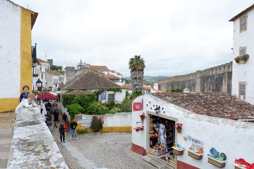De gezellige, knusse straatjes van Obídos