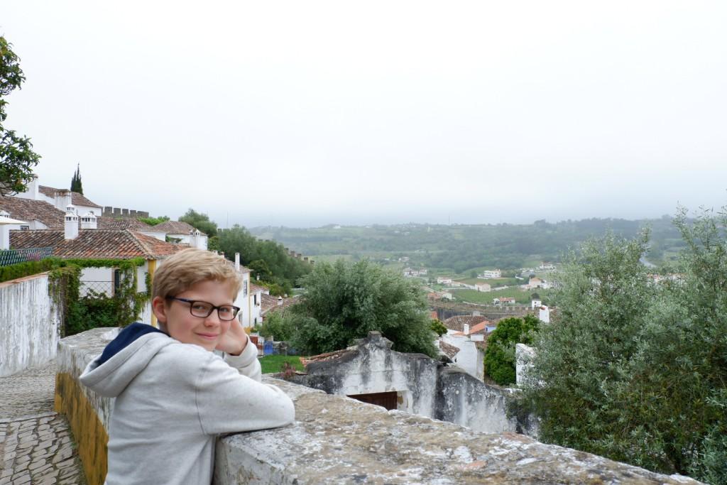 Genieten van het uitzicht op de omgeving van Obidos