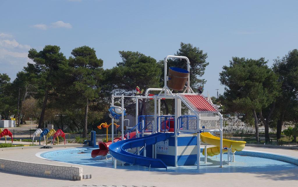 Zaton Holiday Resort zwembad kleine kinderen