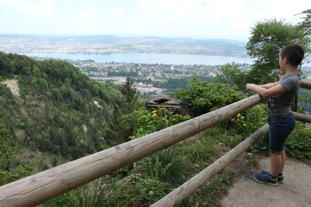 Het uitzicht bij de afslag naar het theehuis.