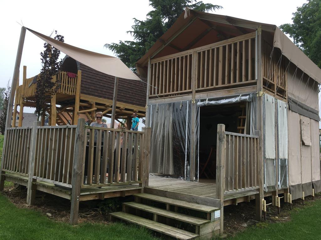 In een Airlodge overnachten mag je bijna geen kamperen meer noemen. Wat een luxe tent!