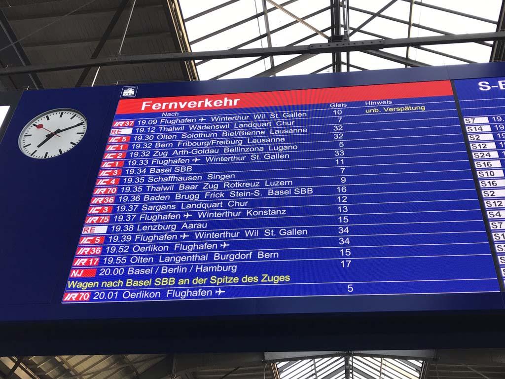 Voor regionale treinen is meestal geen reservering nodig, ze gaan alleen niet zo snel.