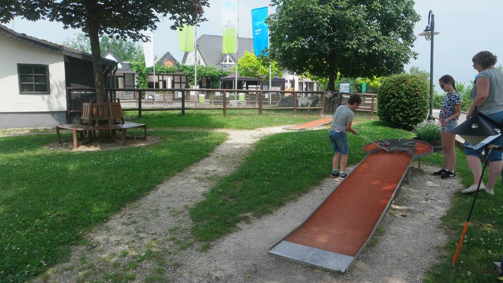 De midgetgolfbaan is erg geschikt voor beginners.