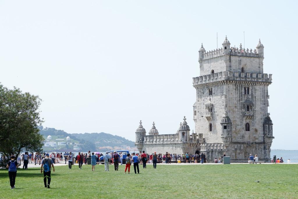 De beroemde Torre de Belém is druk bezocht