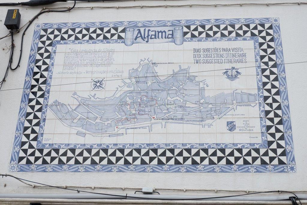 Een plattegrond van de wijk Alfama