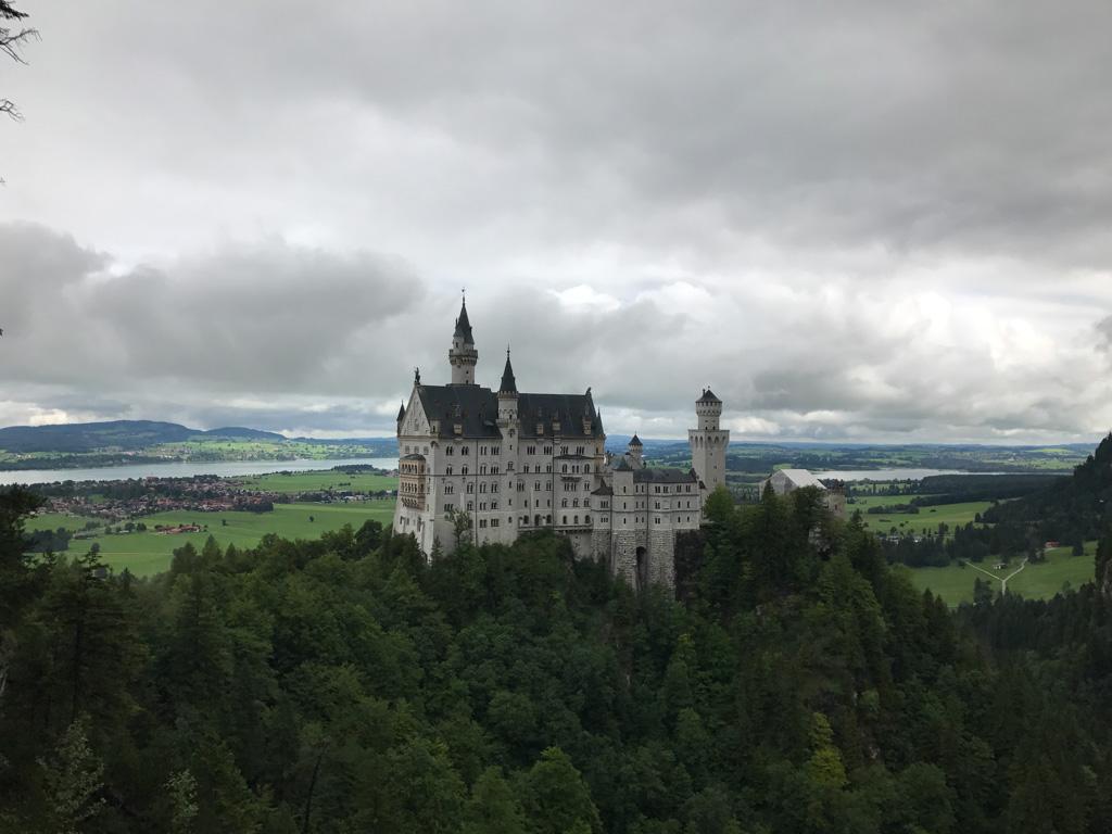 Neuschwanstein, toeristisch en dat is niet voor niets.