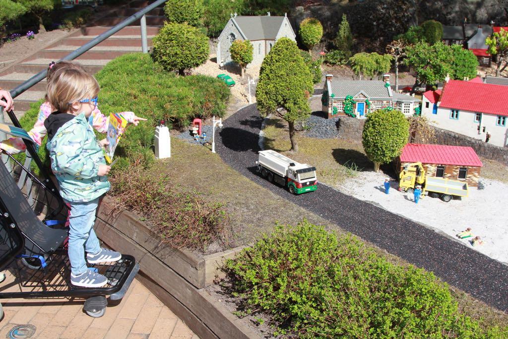 Pretpark in Denemarken met kleine kinderen