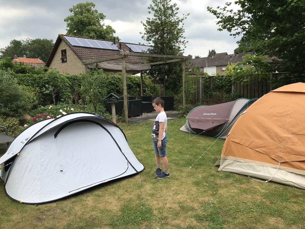 We testen de tenten meerdere dagen, ook als het heel zonnig en warm is.