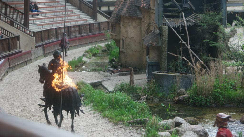 De elementen komen op verschillende manieren terug, voor 'Vuur' is indrukwekkend.