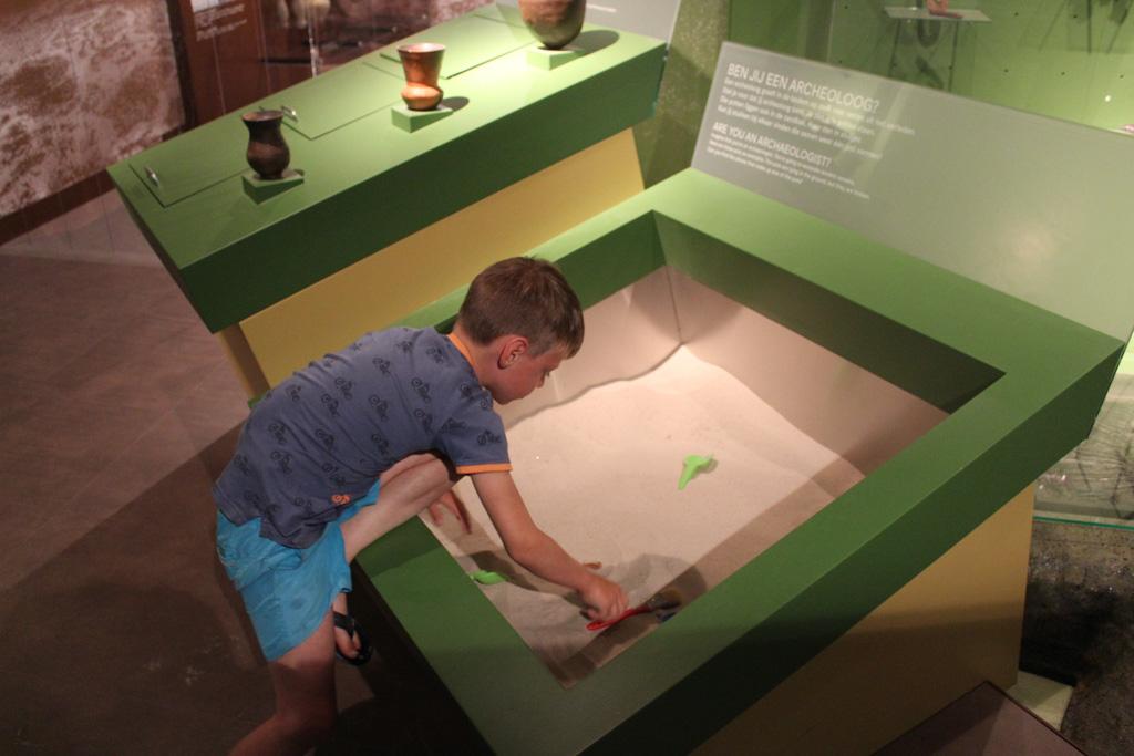 Zelf voor archeoloog spelen.