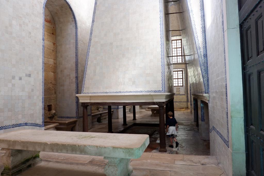 De kloosterkeuken van Alcobaça