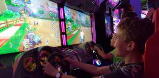 De racesimulator met Mario Kart is supergaaf!
