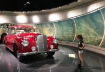 We bekijken de auto's, maar niet zo gedetailleerd als de echte auto-liefhebbers doen.