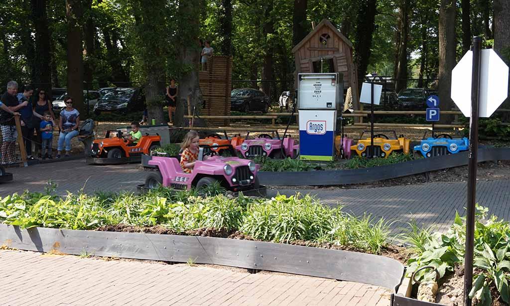 Pretpark Gelderland auto's
