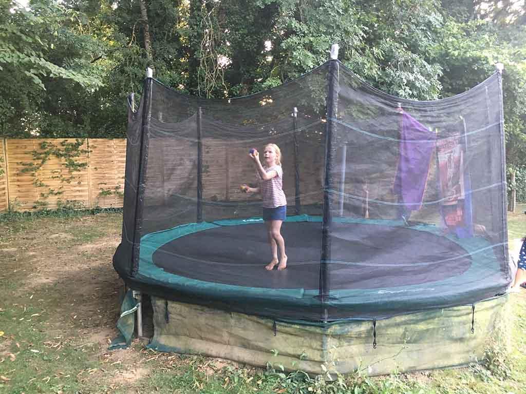 De trampoline fungeert ook als circuspiste