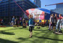 Op het Circusstad Festival is lekker veel ruimte voor grote en kleine mensen om kunstjes te oefenen.