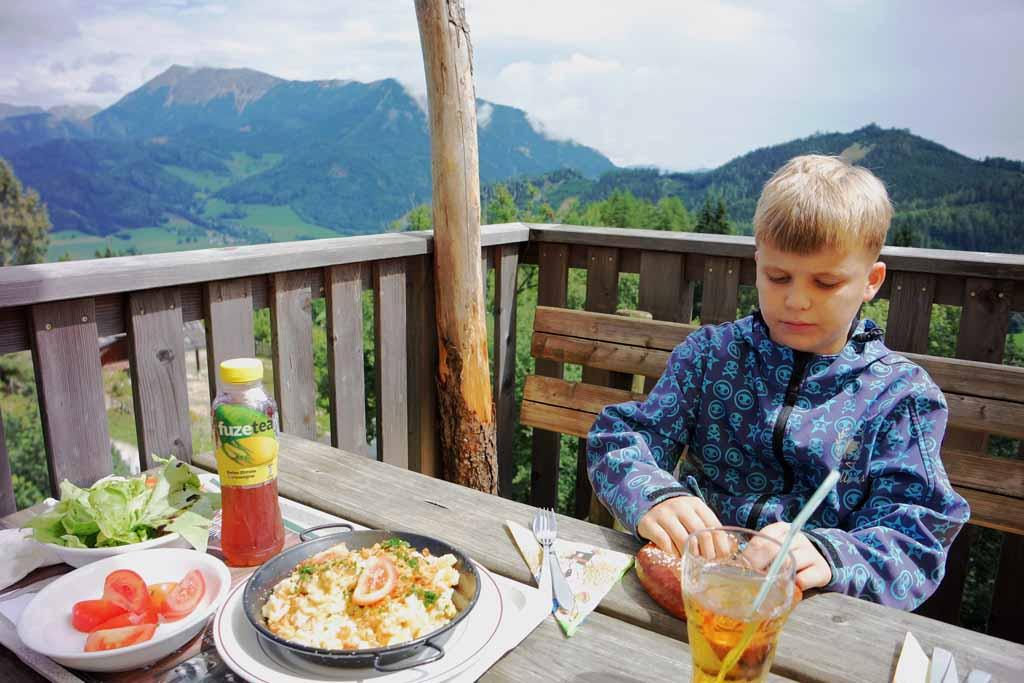 Zo'n uitzicht maakt je lunch extra smakelijk