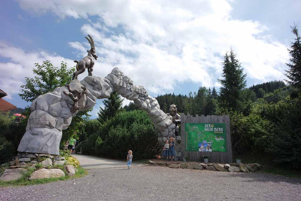 der-wilde-berg-mautern Der Wilde Berg in Mautern is een dierentuin boven op de berg