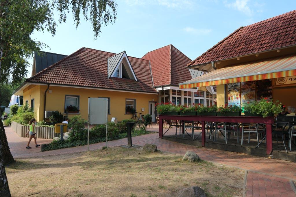 Receptiegebouw en het Pfankuchenrestaurant.