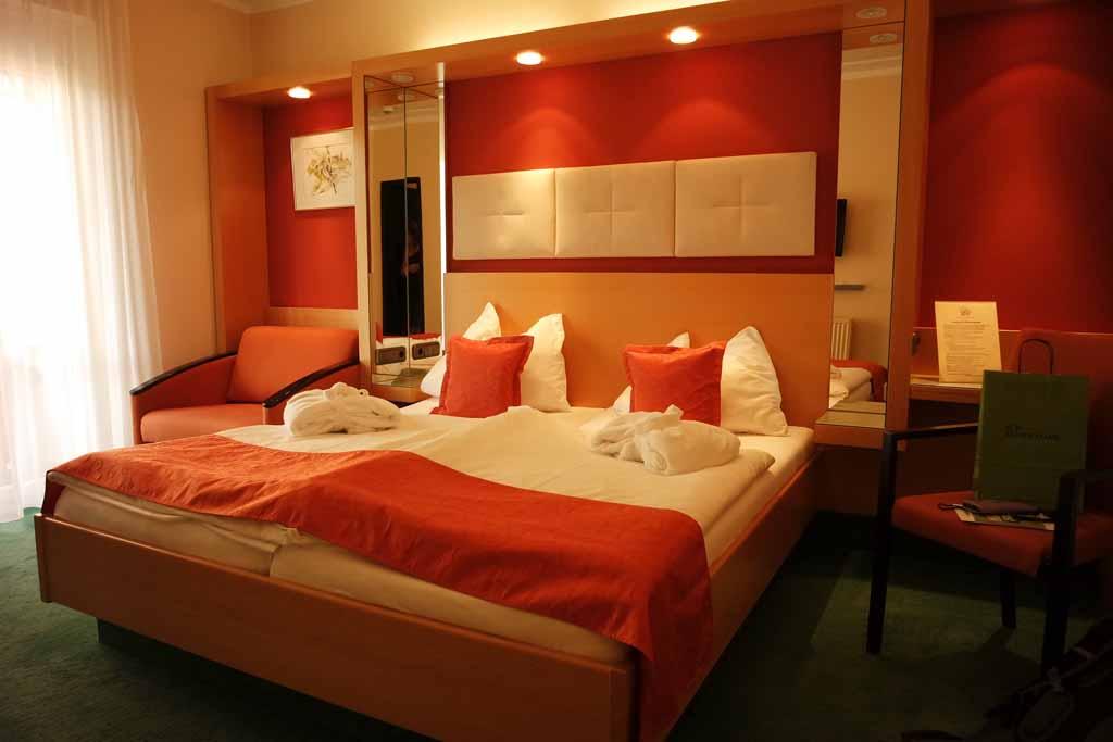 De ouderslaapkamer met comfortabel bed