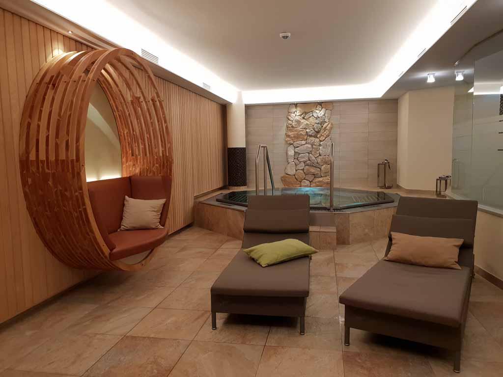Een ruimte waar je naakt kunt zwemmen en relaxen.