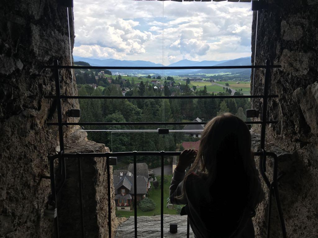 Het uitzicht vanuit de toren van burcht Mauterndorf.