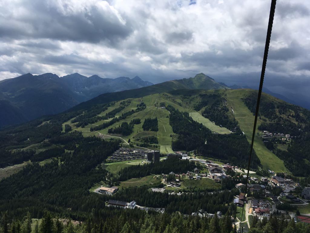 Uitzicht uit de Aineckbahn.