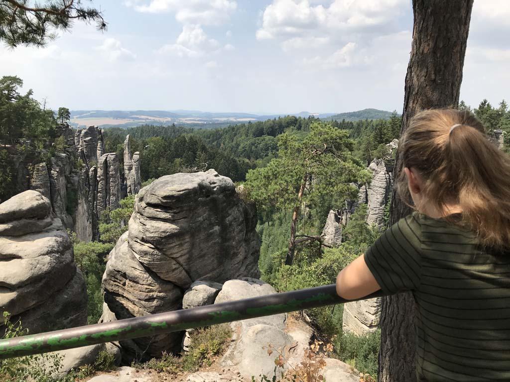 Alweer zo'n prachtig zicht over de rotsen van Prachovské Skály.