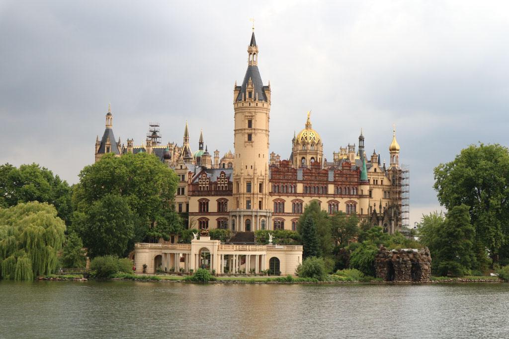 Wauw, wat is het kasteel van Schwerin een plaatje om te zien.