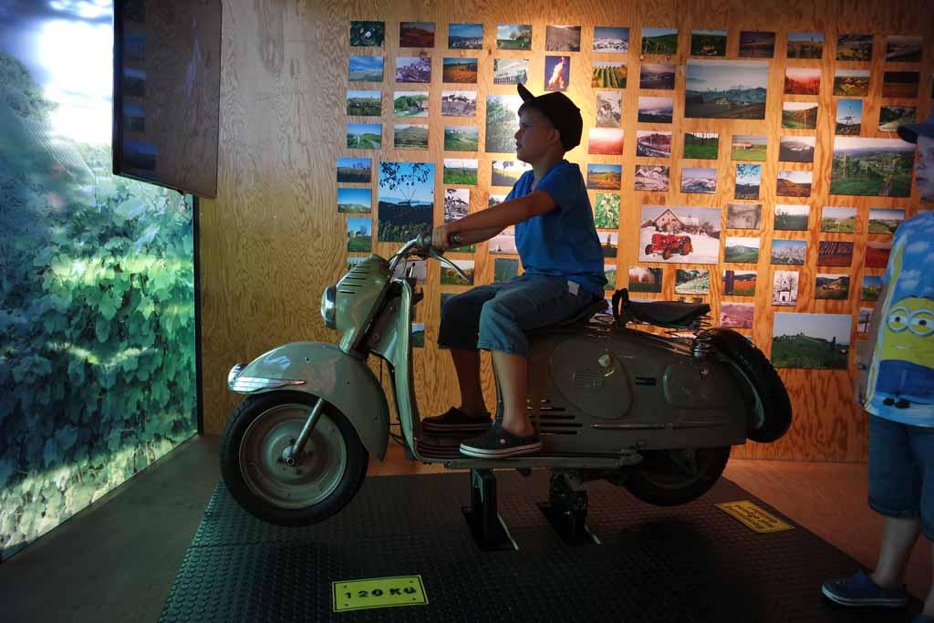Toch leuk om op je 10e met een scooter door Steiermark rijden