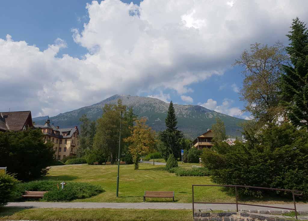 We gaan naar Starý Smokovec, aan de voet van het Tatra gebergte