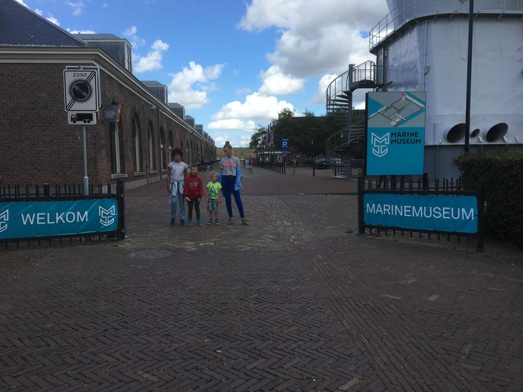 De museumgasten van vandaag: Zara (11 jaar), Koen (7 jaar), Tijmen (5 jaar) en Lynn (15 jaar).